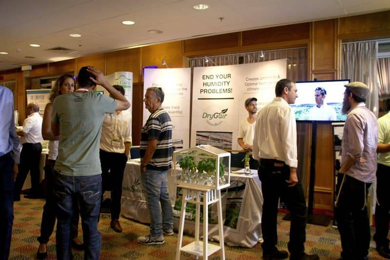 Drygair presents its stand in a conference