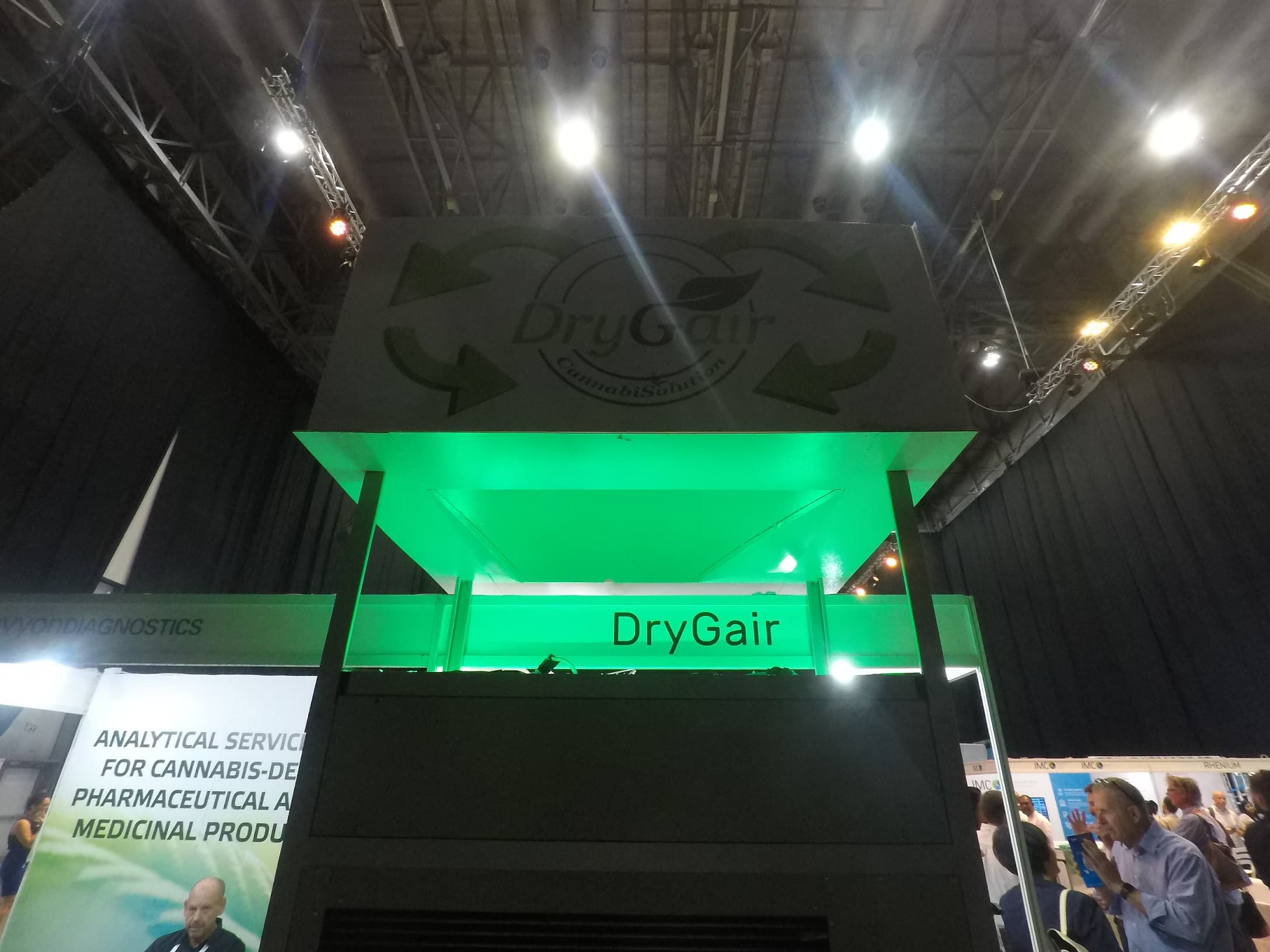 Drygair booth